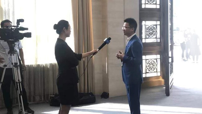 USRIOT CET Gu Xin made an interview with the TV station